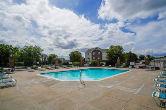 Poolside Lounge Chairs at Brentwood Park Apartments in Nebraska
