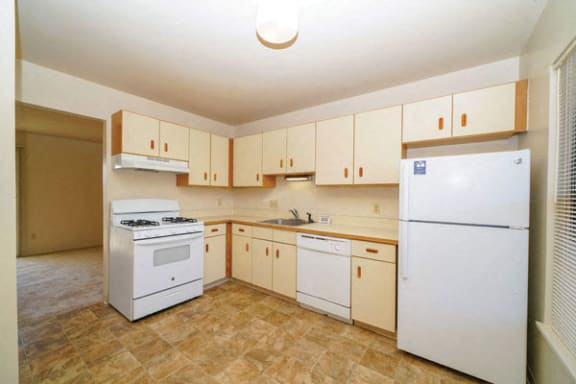 Well Equipped Kitchen at Mount Royal Townhomes in Kalamazoo, MI