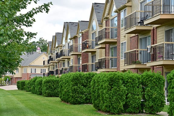 Private Balconies Available at Timberlane Apartments, Peoria, IL