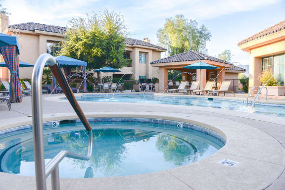 Catalina Foothills Apartments with Relaxing Hot Tub Spa