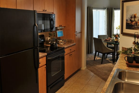 Full Kitchen at Tucson 3 Bedroom Apartments for Rent