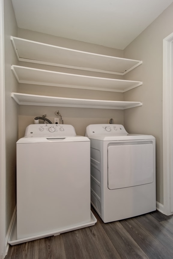 Modern Laundry Room at St. Charles Oaks Apartments, Thousand Oaks, 91360