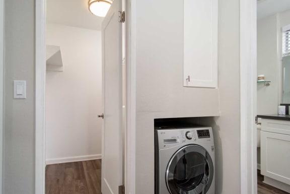 Modern Laundry Room at Los Robles Apartments, Pasadena, CA, 91101