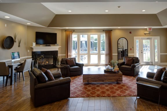 Luxurious Resident Clubhouse at Farmington Lakes Apartments Homes, Oswego, IL, 60543