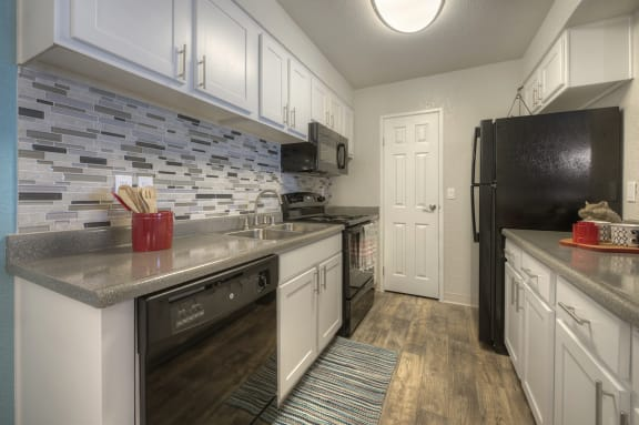 Efficient Appliances In Kitchen at Vizcaya Hilltop Apartments, Reno