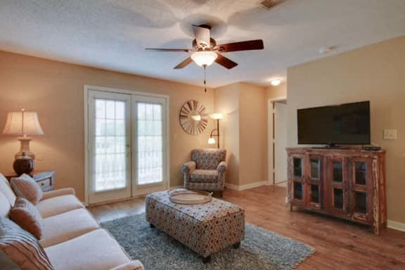Spacious apartments for rent in Columbus at The Colony