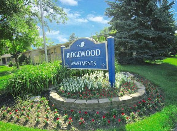 Ridgewood blue and white monument sign.