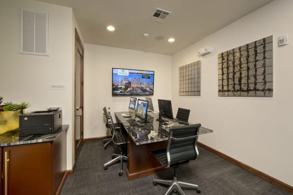 Cyber Café at Midtown Houston by Windsor, Houston, TX 77002