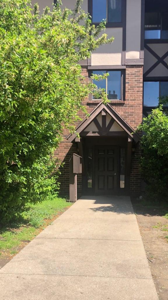 Gated Entrance at Candlewyck Apartments, Michigan, 49001