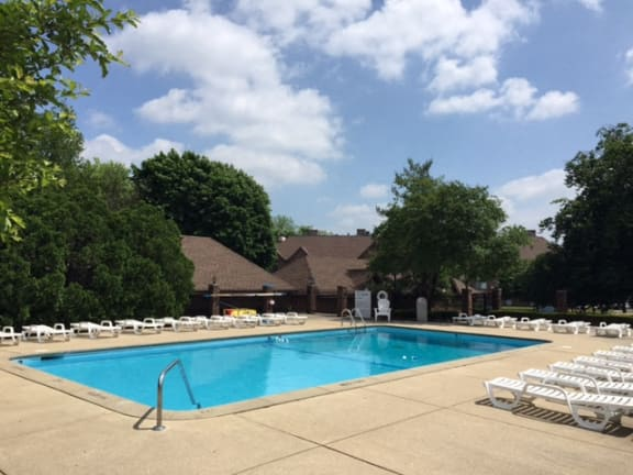 Crystal Clear Swimming Pool at Candlewyck Apartments, Kalamazoo