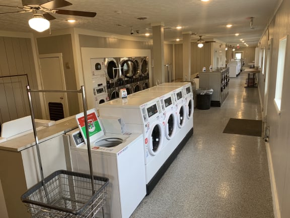 Community Laundry Facility at Pickwick Farms Apartments, Indianapolis