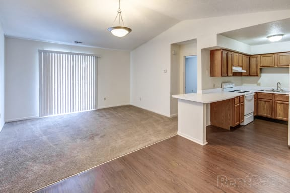 Wood Floor Dining Room at Sandstone Court Apartments, Greenwood, IN, 46142