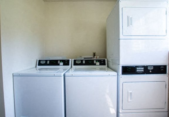 Laundry Facilities at The Lodge Apartments, Indianapolis, IN, 46205