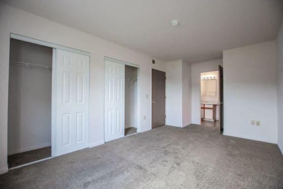 Large Closets at Walnut Creek Apartments, Kokomo, IN, 46902