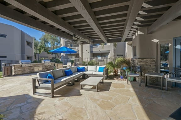Outdoor Grill With Intimate Seating Area at Scottsdale Horizon, Scottsdale, 85260