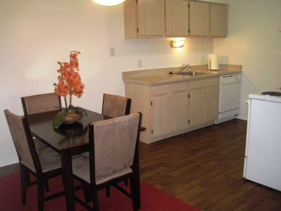 Dining Room in Short-Term Furnished Unit Available at Dover Hills Apartments in Kalamazoo, Michigan