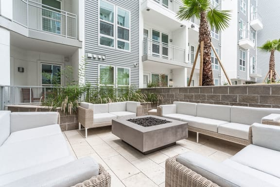 Rooftop Sundecks with Gorgeous Views  at Azure Houston Apartments, Texas