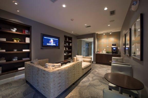 entertainment apartments on richmond ave