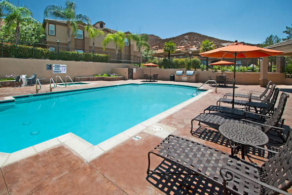 Antelope Ridge Apartments two resort-style swimming pools