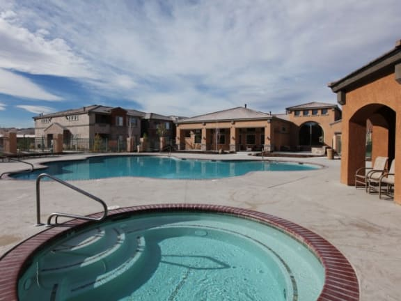 Pool and Spa l The Trails at Pioneer Meadows Apartments in Sparks NV