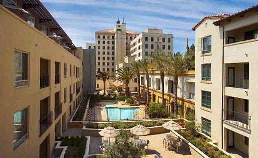 Trio Apartments Resort Style Pool & Spa