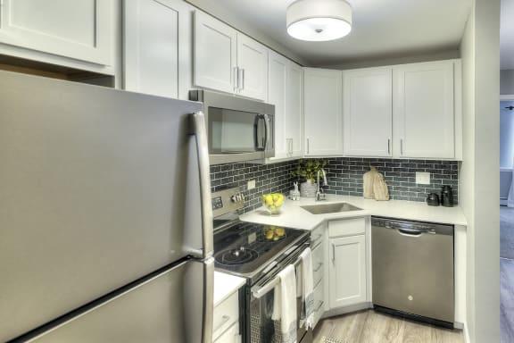 Spacious Kitchen with stainless appliances - Eagle Creek Apartments