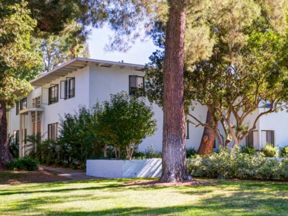 chase knolls apartments | Chase Knolls Garden Apartments Sherman Oaks CA