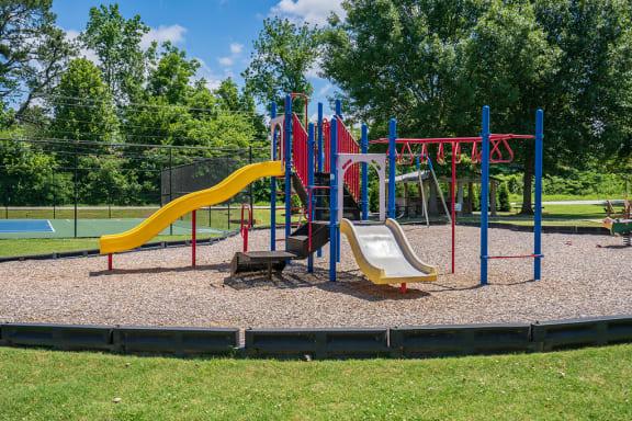 On-Premise Playground with Multiple Slides