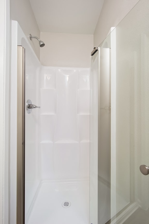 Unit Image - Modern Stand Up Shower at Parc at 5 Apartments, Downey, CA