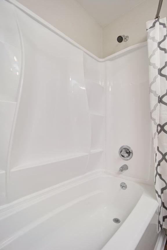 Unit Image - Tub In Bathroom at Parc at 5 Apartments, California, 90240