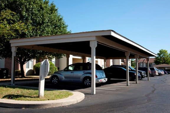 Covered-Parking at Creekside Square, Indiana, 46254
