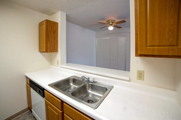 Dishwasher at Creekside Square, Indianapolis, 46254