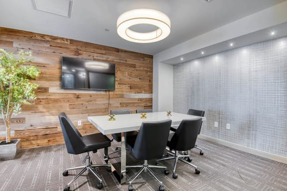 Conference room at Windsor at Hopkinton, 5 Constitution Ct, 01748