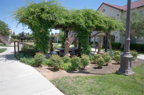 Safe Walking Paths In Courtyard at Dominion Courtyard Villas, Fresno, CA
