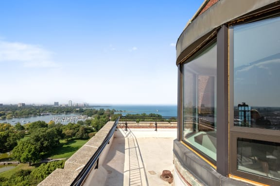Skydeck with Scenic Views of Lake Michigan and Jackson Park at Park Heights by the Lake Apartments, Illinois