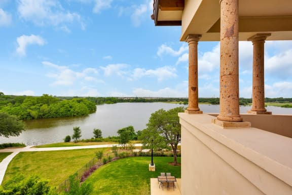 cedar park apartments with water view