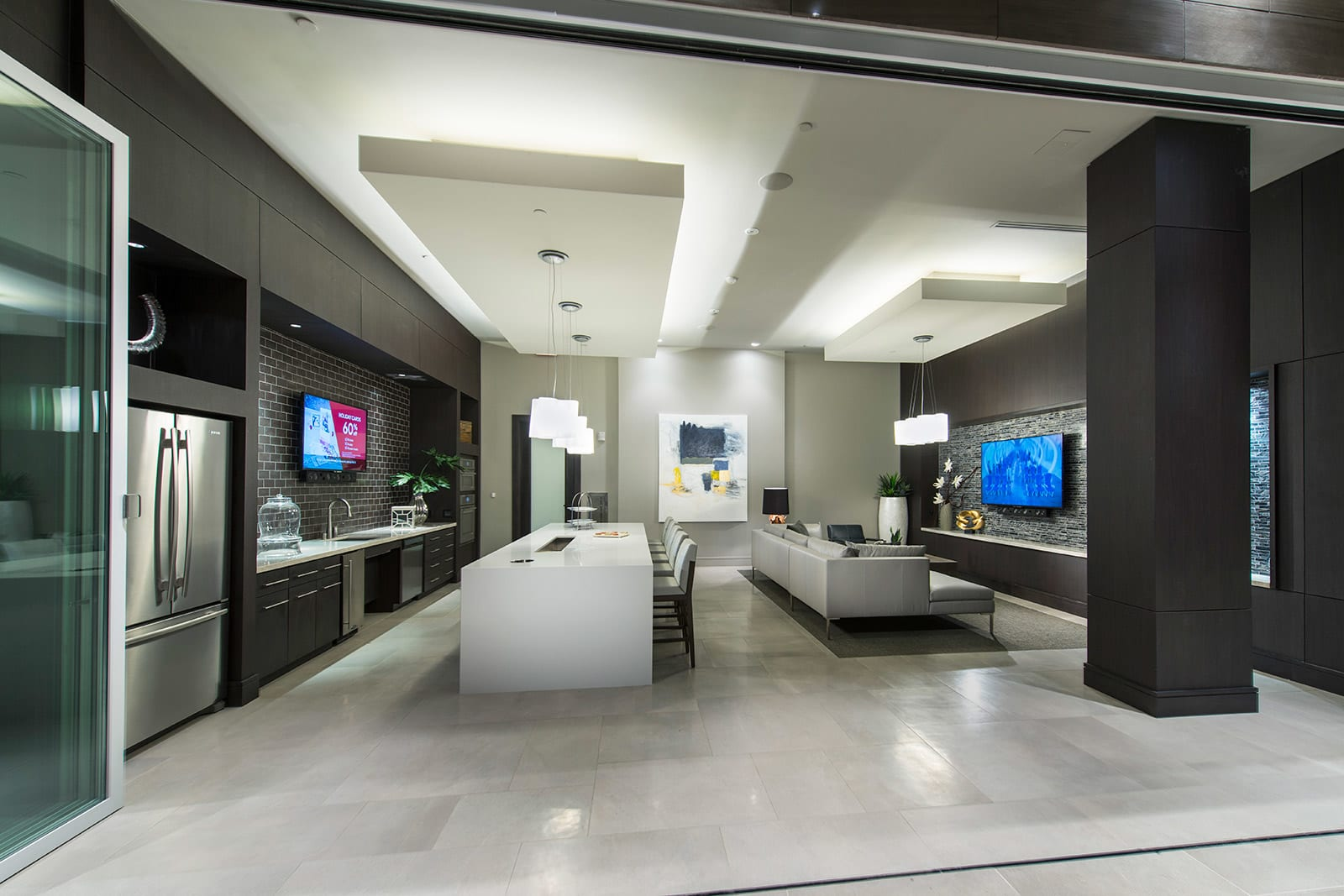 Stylish Clubhouse with Full Kitchen at 1000 Grand by Windsor, Los Angeles, California