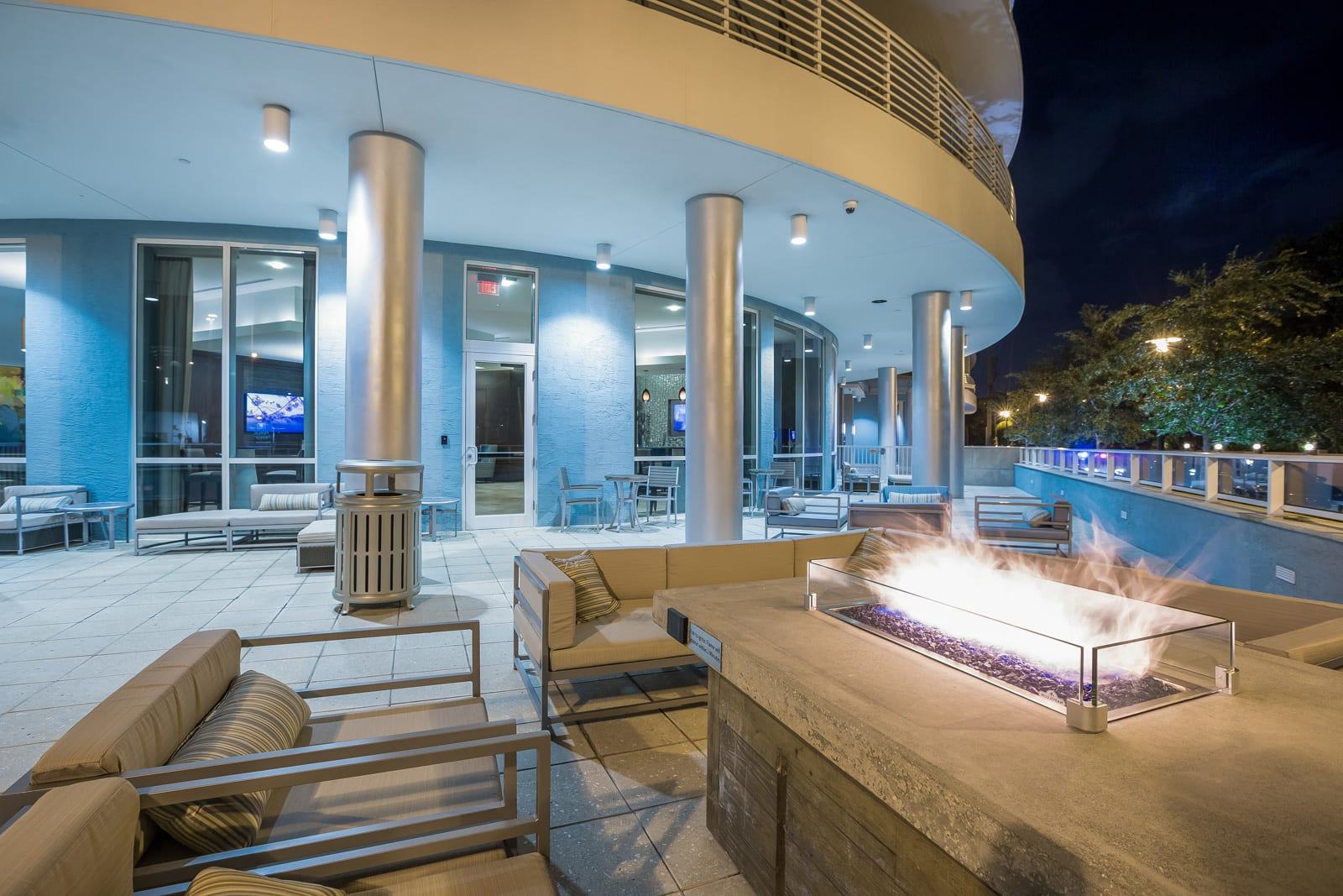 Cozy Fire Pit with Seating at Amaray Las Olas by Windsor Apartments, 215 SE 8th Ave, Fort Lauderdale