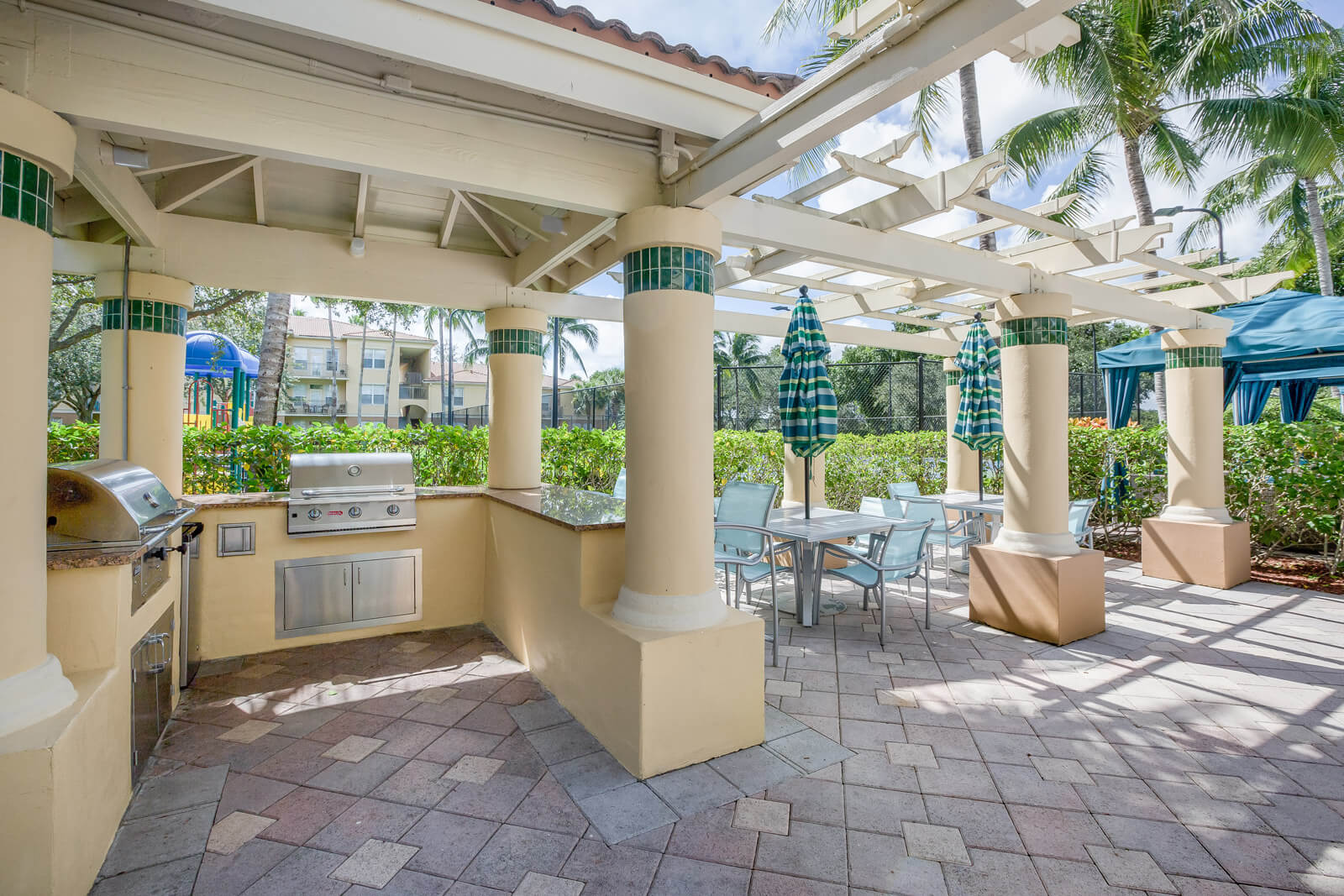 Outdoor Gathering Space with BBQ Grills at Windsor at Miramar, Florida, 33027