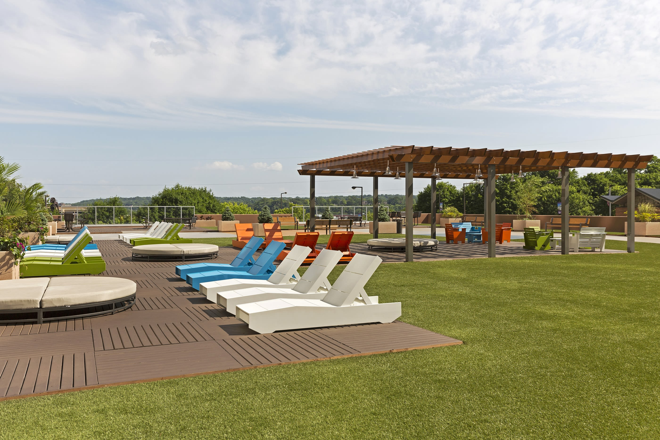 Kellogg Square Apartments in St. Paul, MN Sundeck