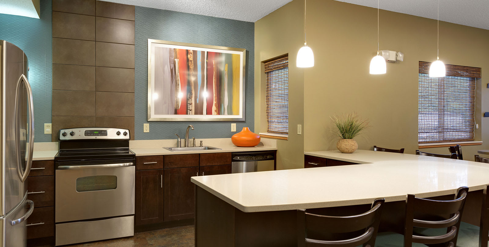 Shadow Hills Apartments in Plymouth, MN Community Room