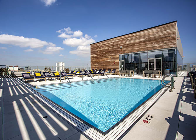 Panoramic Rooftop Oasis with Tanning Deck at 640 North Wells, Chicago, 60654