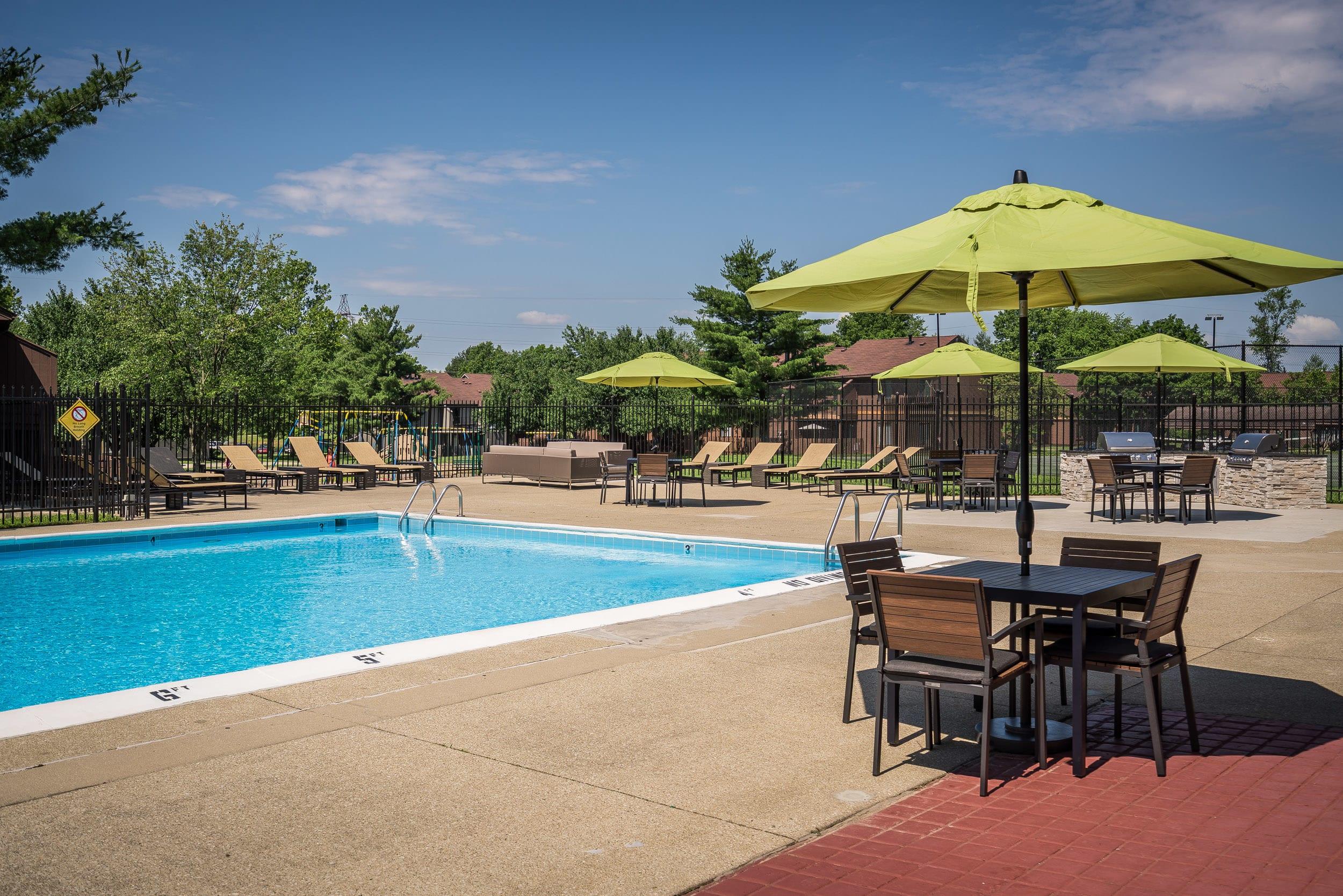 Pool at Woodbridge Apartments, Louisville, KY, 40242