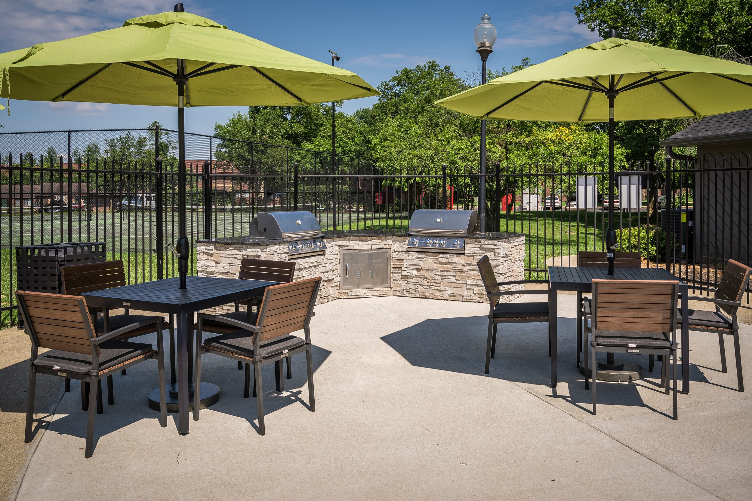 Poolside Sundeck And Grilling Area at Woodbridge Apartments, Louisville, 40242