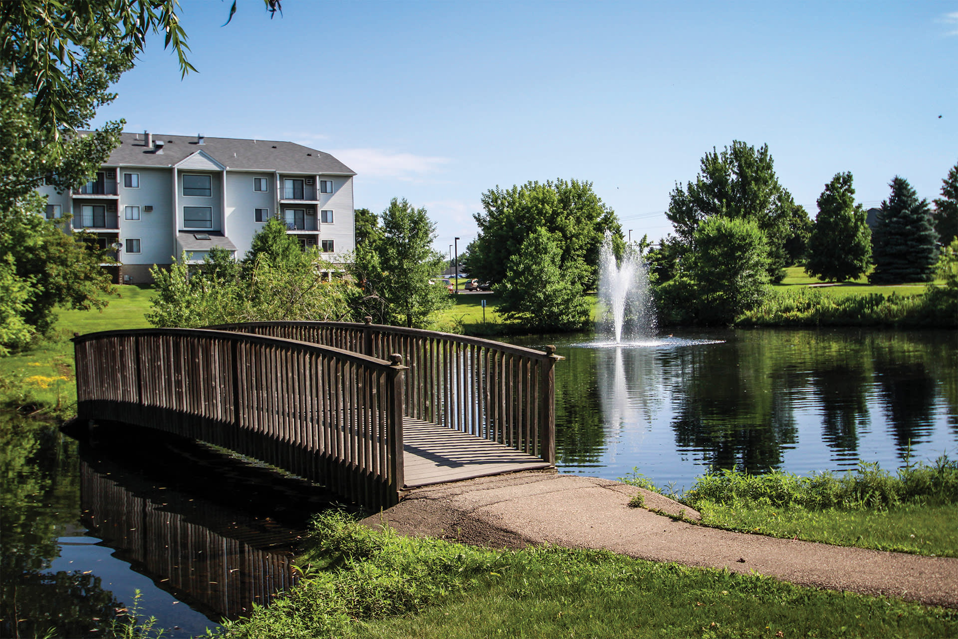 Valley Pond Apartments in Apple Valley, MN Nature