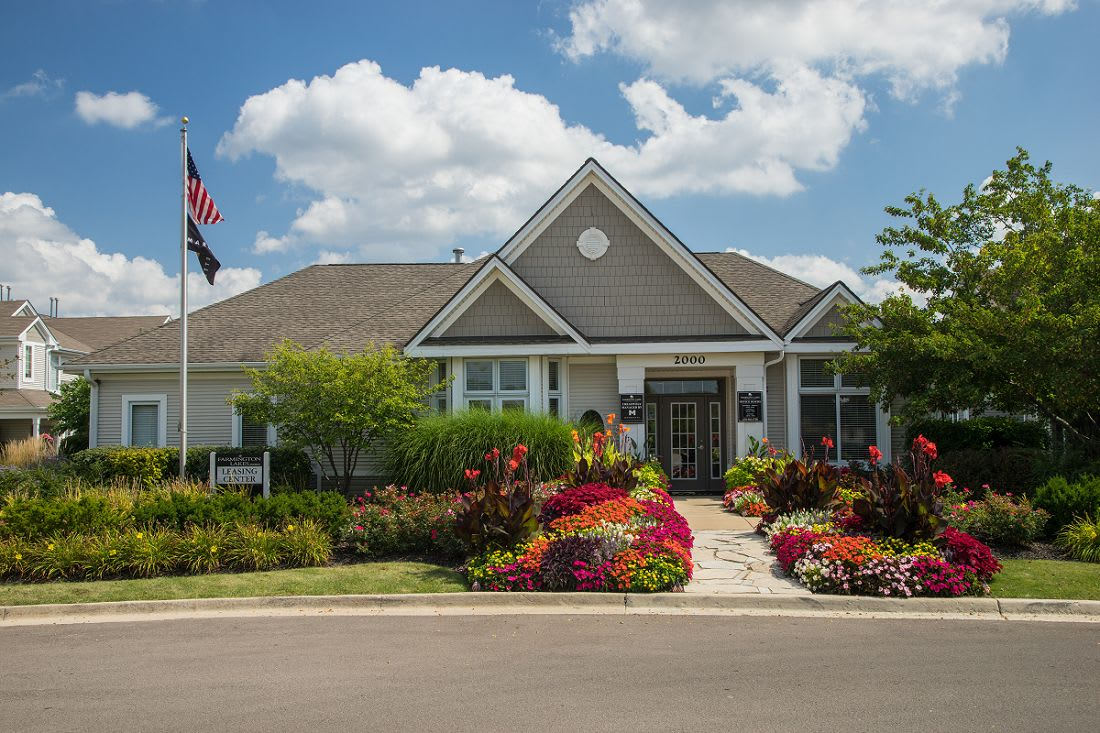 Luxurious clubhouse at Farmington Lakes Apartments Homes, Oswego, IL, 60543