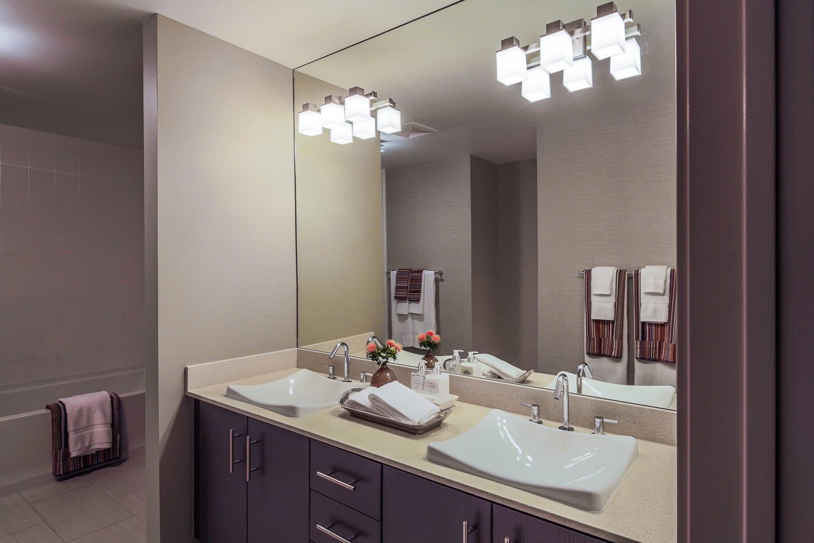 Dual Vanities at 1600 Vine Apartment Homes, CA, 90028