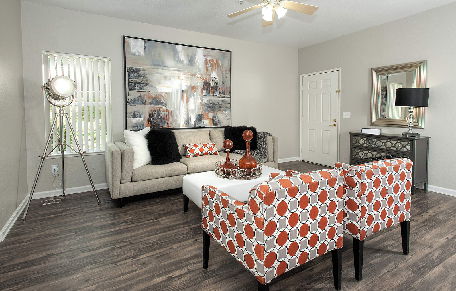 Living Room l The Preserve at Creekside Apartments in Roseville CA