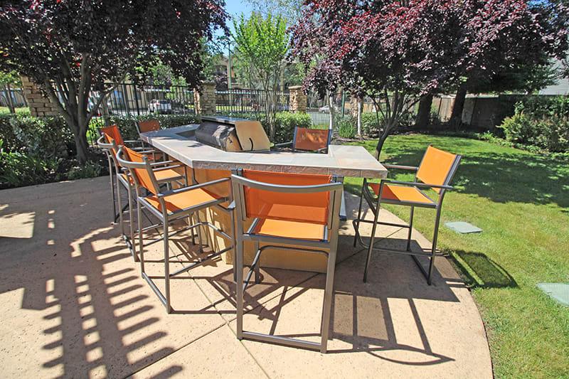 BBQ Area l Oak Brook Apartments in Rancho Cordova CA