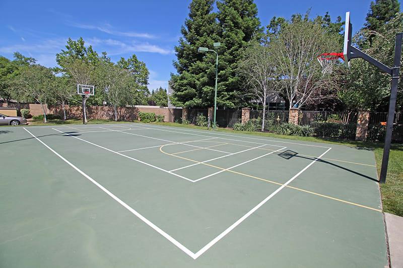 Tennis Courts l Oak Brook Apartments in Rancho Cordova CA